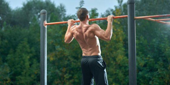 Как освоить выход силой на турнике — крутое упражнение для продвинутых атлетов