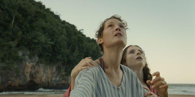 Кадр из фильма «Время» 2021года