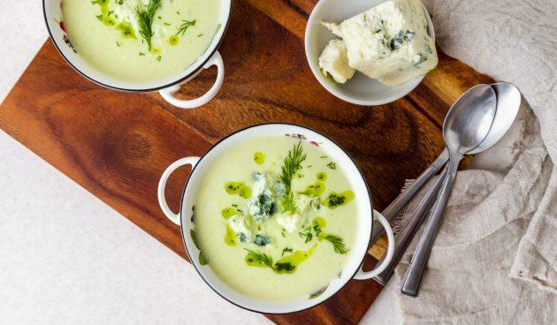 Суп из брокколи и кабачков с голубым сыром