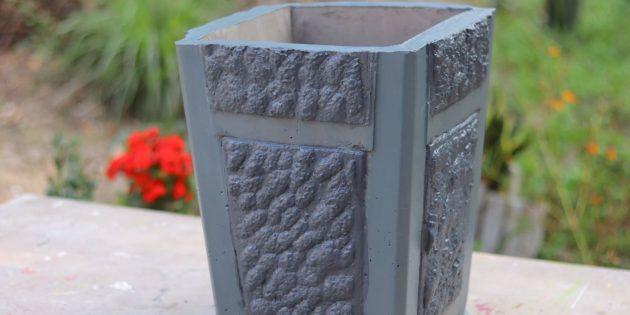 Как сделать вазон из бетона с помощью табуретки и пенопласта своими руками