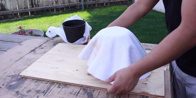 Как сделать вазон из бетона и полотенец своими руками: накройте тканью