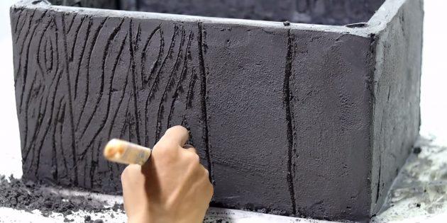 Как сделать вазон из бетона и пластикового ящика своими руками: нарисуйте дощечки