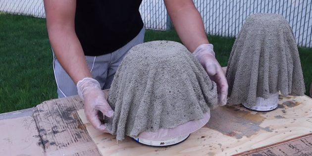 Как сделать вазон из бетона и полотенец своими руками: повесьте ткань