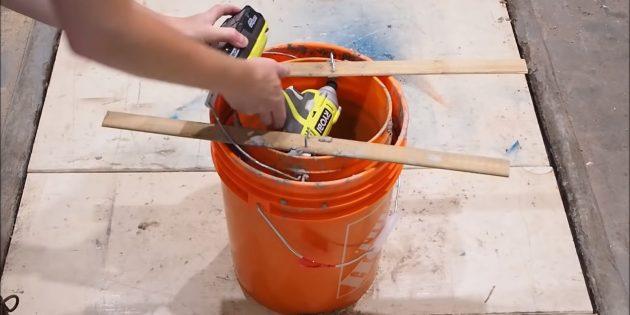 Как сделать вазон из бетона и двух вёдер своими руками: разберите опалубку