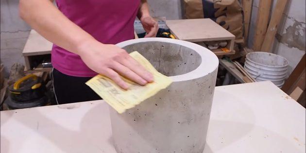 Как сделать вазон из бетона и двух вёдер своими руками: отшлифуйте поверхность
