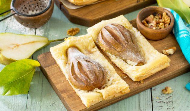 Слойки с грушами и грецкими орехами