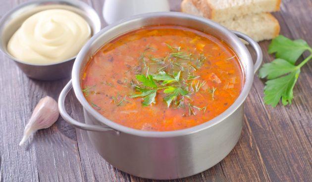 Сытный суп из говядины с овощами