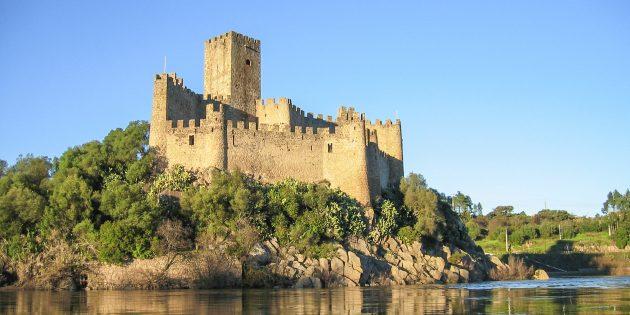 Мифы о средневековых замках: замок Алмоурол, Португалия