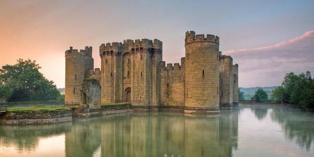 Мифы о средневековых замках: замок Бодиам, Восточный Суссекс, Англия.