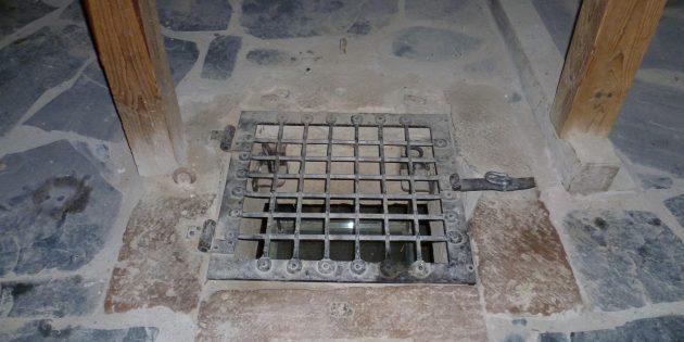Мифы о средневековых замках: ублиет в замке Идштейн, Гессен, Германия