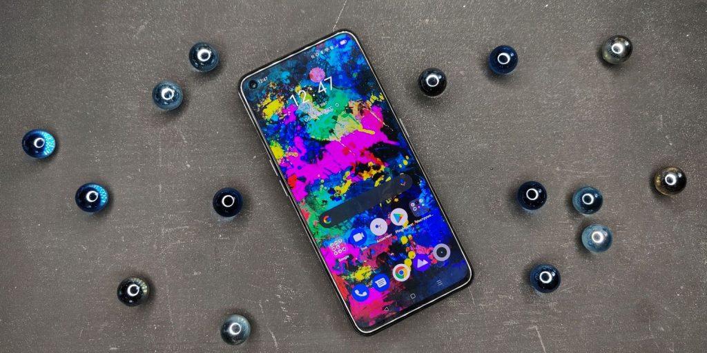 Realme GT 5G имеет Super-AMOLED‑экран