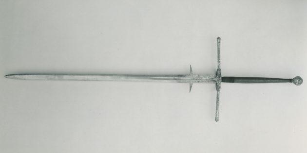 Мифы о средневековых сражениях: двуручный меч с контргардой