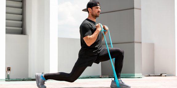 Тренировка с резинкой для крутых результатов без спортзала