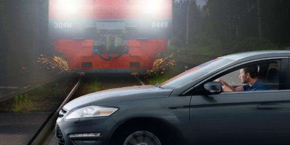 ТЕСТ: Двигаться или стоять? Проверьте, знаете ли вы, как себя вести при пересечении железнодорожных переездов