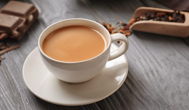 Карамельный чай, который сделает утро по-настоящему добрым