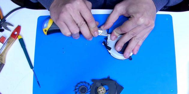 Как смазать кулер: срежьте пластиковые заклёпки