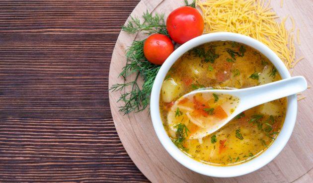 Куриный суп с вермишелью и помидорами