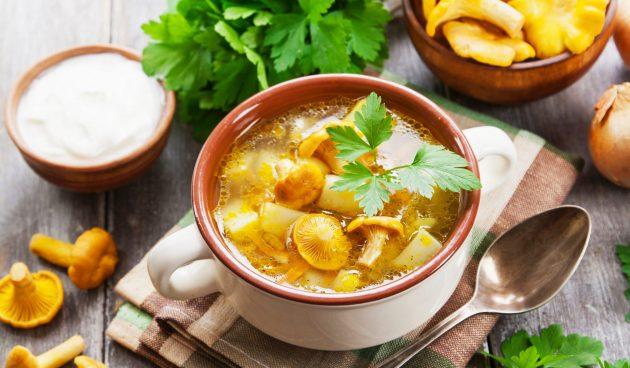 Овощной суп с лисичками