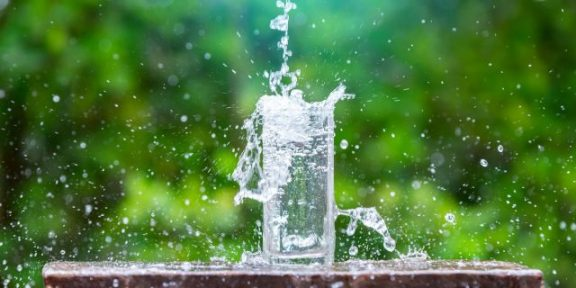 Какой должна быть настоящая минеральная вода и как найти её в магазине
