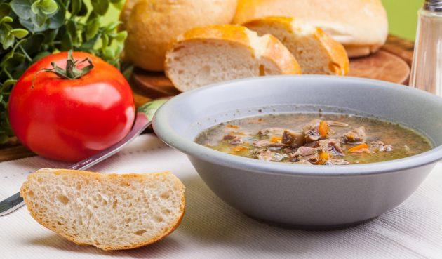 Суп из куриных желудков с овощами