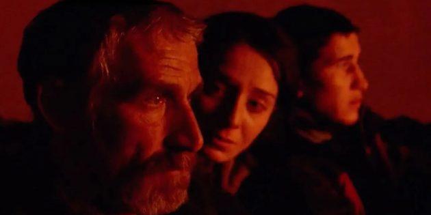 Кадр из фильма «Разжимая кулаки»