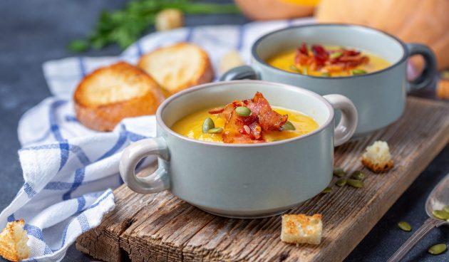 Суп из запечённой тыквы с беконом