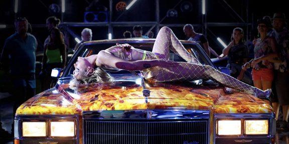 «Титан»: зачем смотреть мерзкий боди-хоррор, в котором героиня беременеет от машины