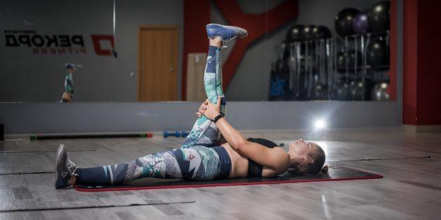 Упражнения при остеохондрозе: растяжка задней поверхности бедра