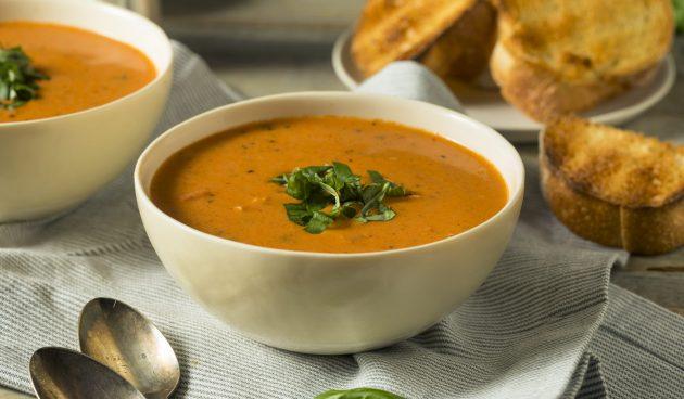 Томатный суп с сыром без кастрюли