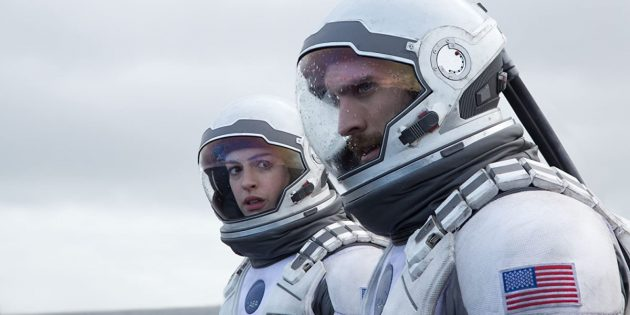 Кадр из фильма в жанре научной фантастики «Интерстеллар»