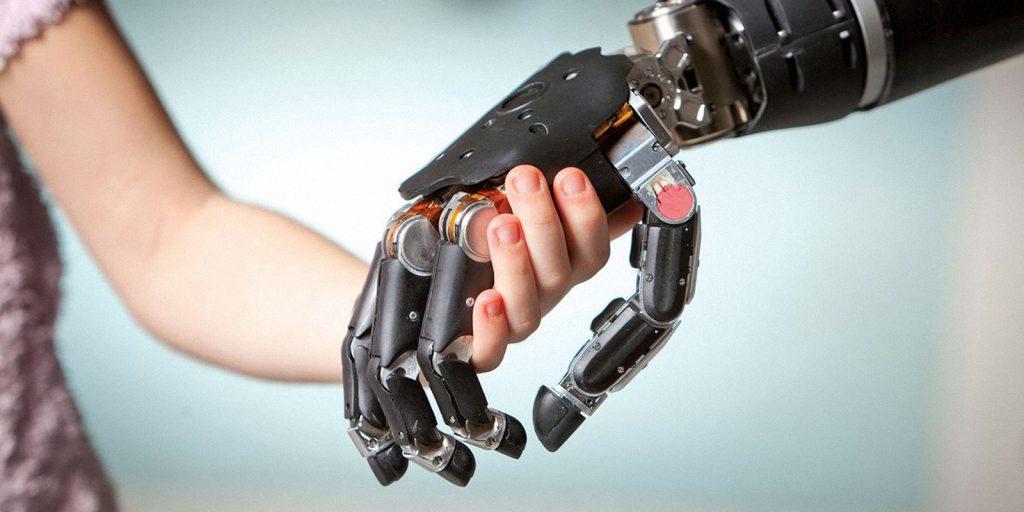 Научные открытия: бионическая рука
