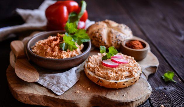 Сырная намазка с болгарским перцем