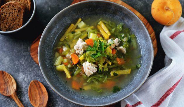 Куриный суп с репой и капустой