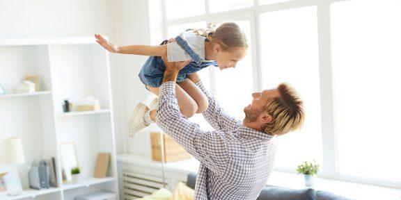 17 октября в России впервые отмечается День отца