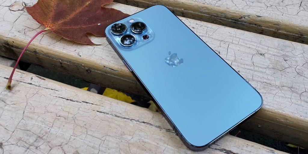 Задняя панель iPhone 13Pro
