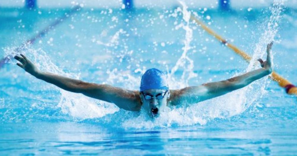 Онлайн секс после тренировки плавание смотреть онлайн пизда большими